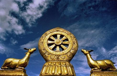 Devi-India-Konark-Sun-Temple-Buddhist-Dharmachakra-Wheel-of-the-Law